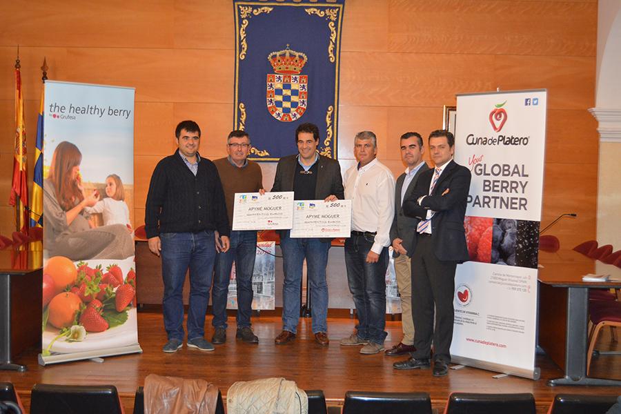 Grufesa colabora con el comercio local y ACFA para endulzar la Navidad de Moguer