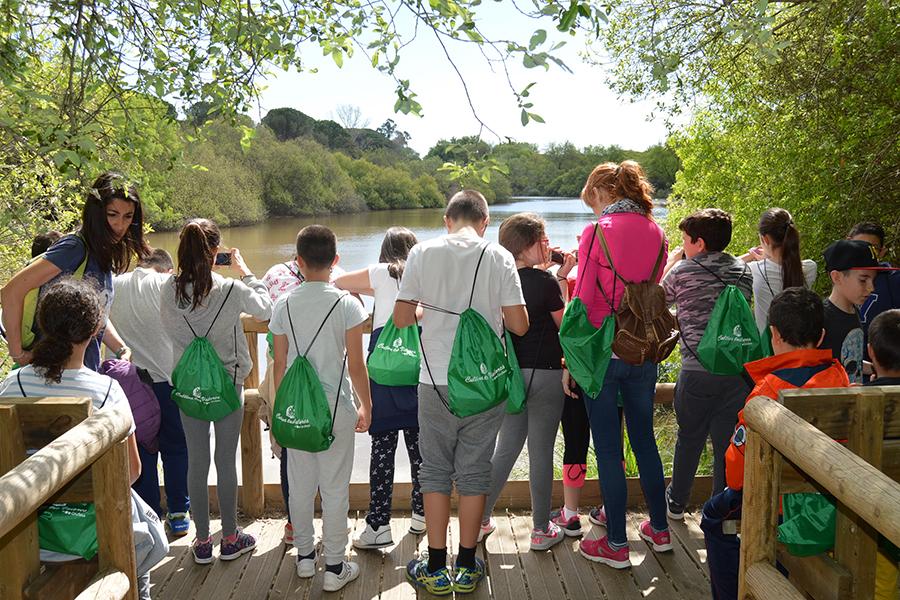 Grufesa conciencia a 300 alumnos de Moguer y Mazagón en Doñana sobre la importancia del agua en la conservación del medio ambiente