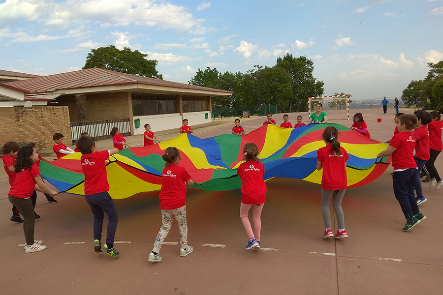 Sport teaches school pupils from Moguer and Mazagón the importance of training, teamwork and leading a healthy life