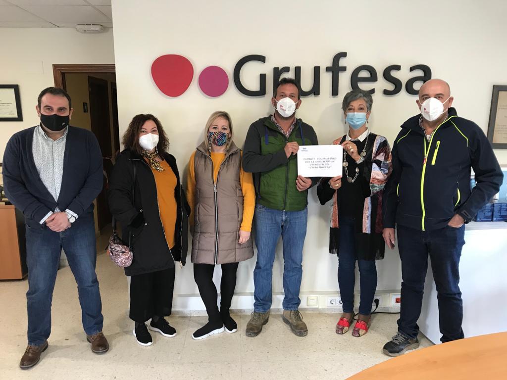 Grufesa renueva su colaboración con Fibro Moguer para ayudar a reforzar la prestación del servicio de fisioterapia a sus asociados